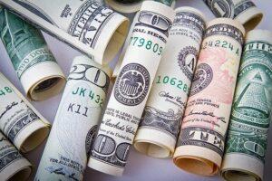 Podemos preservar a imagem do Influencer na internet - Foto de dinheiro